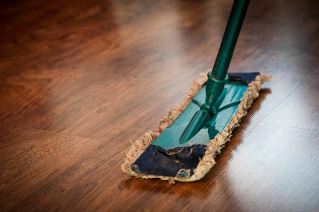 Skab et sundere kontormiljø med rengøringshjælp i Gadbjerg